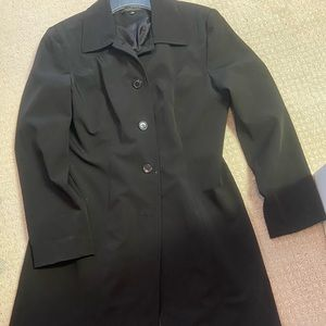 Size 12 rain coat missing a button Donna Rae brand
